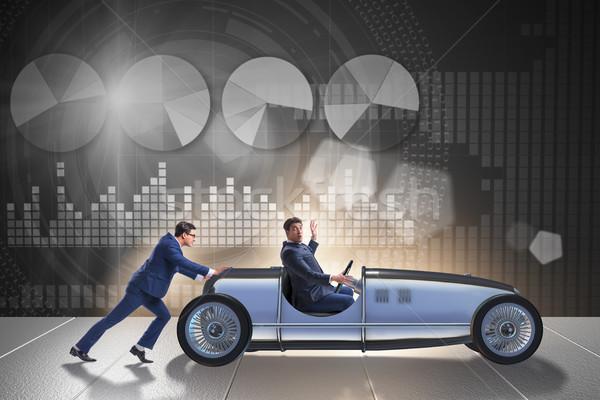 Zakenman auto voortvarend teamwerk business helpen Stockfoto © Elnur