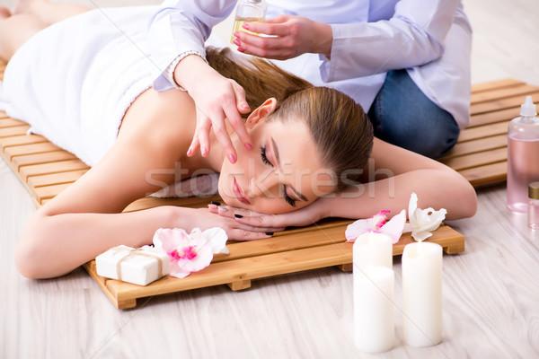 Młoda kobieta spa procedura salon dziewczyna twarz Zdjęcia stock © Elnur