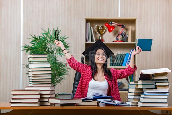 Fiatal női diák főiskola iskola vizsgák Stock fotó © Elnur