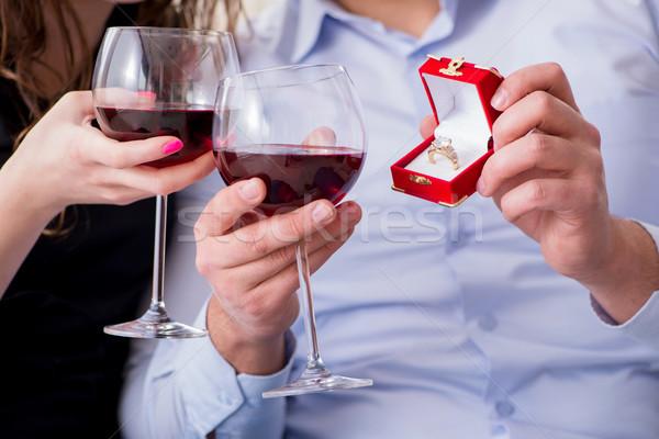 Fiatalember készít házasság javaslat barátnő nő Stock fotó © Elnur