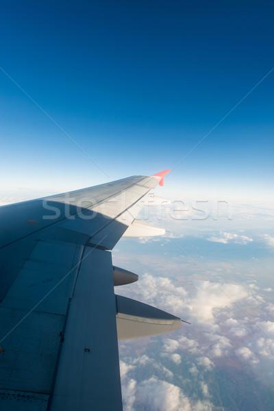 Avion aile sur fenêtre technologie bleu Photo stock © Elnur