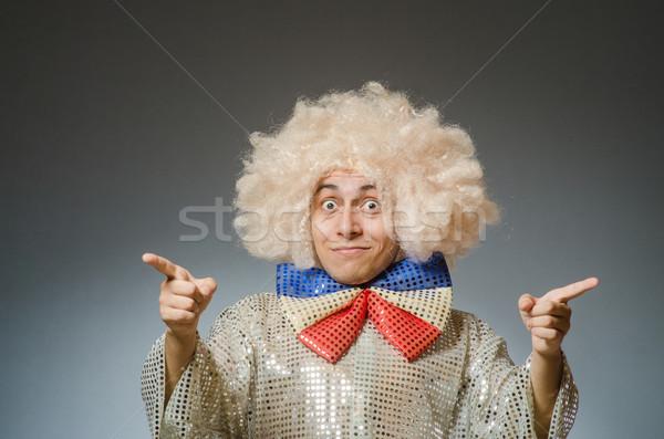 Funny człowiek afro peruka strony szczęśliwy Zdjęcia stock © Elnur