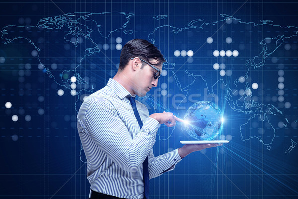 Jonge zakenman wereldwijde business geld internet werk Stockfoto © Elnur