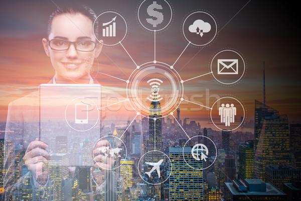 Online fizetés üzletasszony nő pénz internet Stock fotó © Elnur