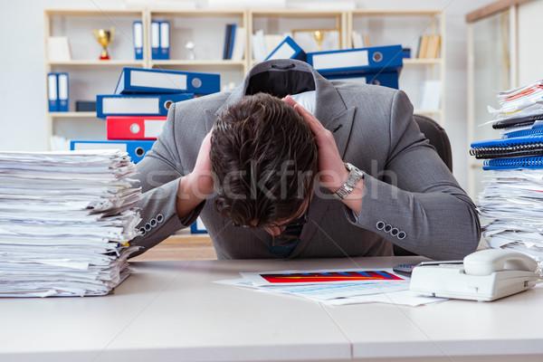 Biznesmen zajęty formalności działalności biuro papieru Zdjęcia stock © Elnur