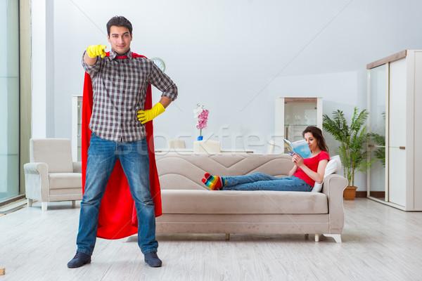 Marido ayudar esposa casa familia Foto stock © Elnur