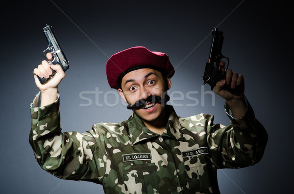 Engraçado soldado escuro fundo segurança pistola Foto stock © Elnur