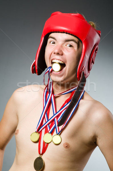Drôle boxeur gagner médaille d'or main exercice Photo stock © Elnur