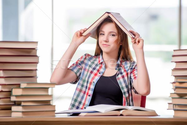 öğrenci kitaplar sınavlar kız okul ev Stok fotoğraf © Elnur