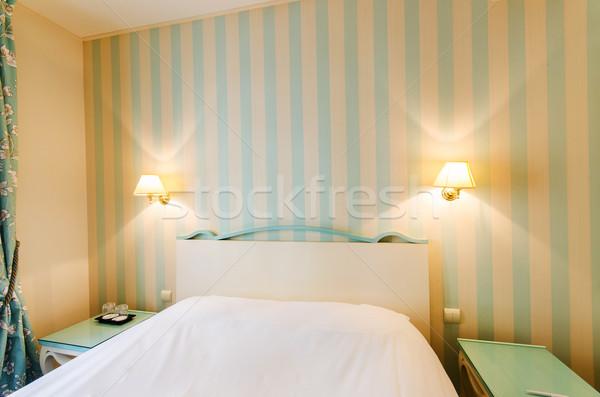 Quarto de hotel dobrar cama casa projeto viajar Foto stock © Elnur