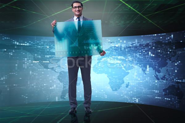 Empresário bolsa de valores comércio dinheiro internet homem Foto stock © Elnur