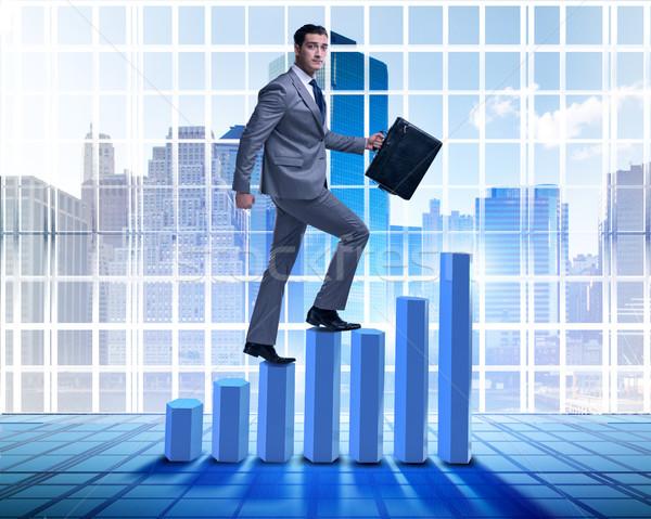 Affaires escalade bar graphiques affaires homme Photo stock © Elnur