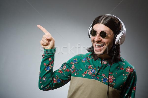 Moço fones de ouvido discoteca piano rocha clube Foto stock © Elnur