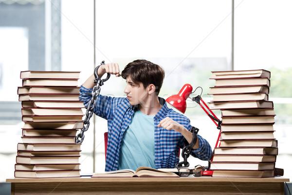 Genç mezuniyet sınavlar kolej kitaplar okul Stok fotoğraf © Elnur