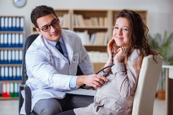 Foto stock: Mulher · grávida · médico · consulta · mulher · mão · homem