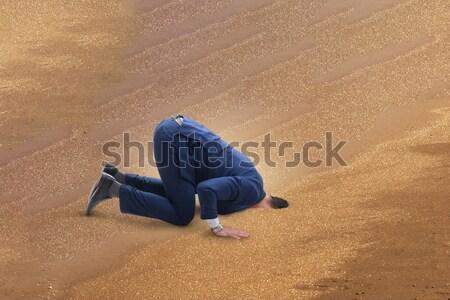 üzletember rejtőzködik fej homok problémák üzlet Stock fotó © Elnur