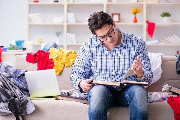 Genç çalışma eğitim dağınık oda kitap Stok fotoğraf © Elnur
