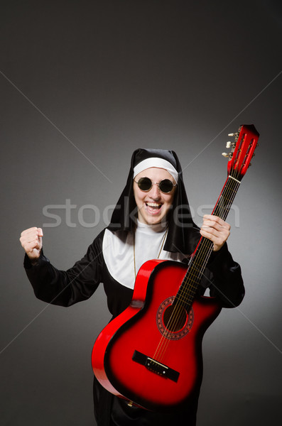 Grappig non Rood gitaar spelen muziek Stockfoto © Elnur