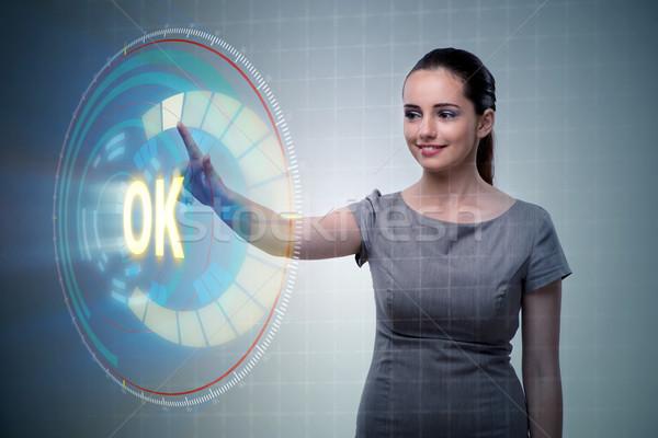 üzletasszony kisajtolás virtuális gomb ok üzlet Stock fotó © Elnur