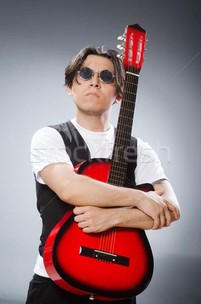 Divertente chitarrista musicale musica uomo chitarra Foto d'archivio © Elnur