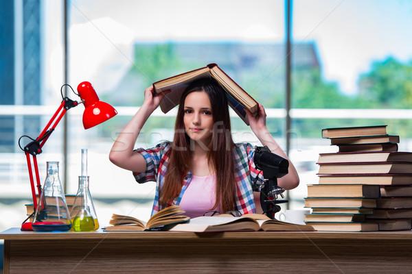женщины студент химии экзамены книгах школы Сток-фото © Elnur