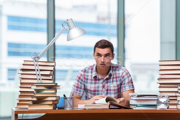 Fiatal diák főiskola vizsgák könyvek iskola Stock fotó © Elnur