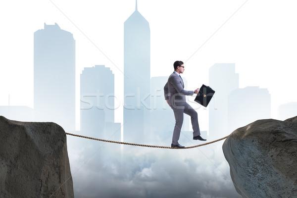 Empresário caminhada apertado negócio corrida terno Foto stock © Elnur