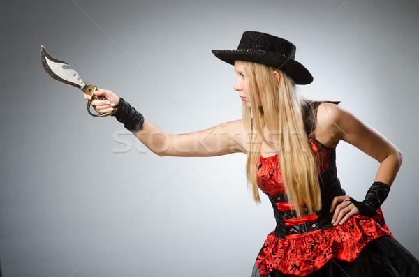 Kobieta pirackich ostry nóż strony moda Zdjęcia stock © Elnur