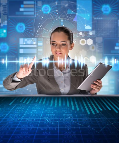Mulher futurista dados mineração computador mundo Foto stock © Elnur