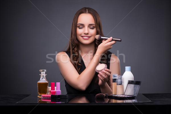 Gyönyörű nő jelentkezik smink divat szem szemek Stock fotó © Elnur