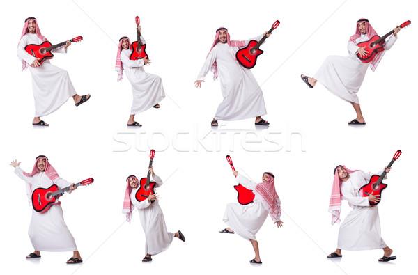 Foto stock: Árabe · homem · jogar · guitarra · isolado · branco