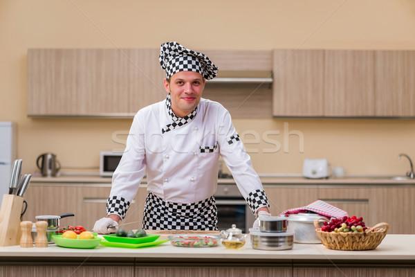 Mannelijke kok keuken voedsel hand Stockfoto © Elnur