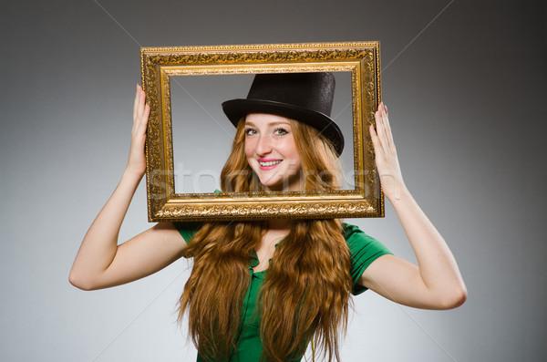 Mulher verde vestir quadro de imagem Foto stock © Elnur