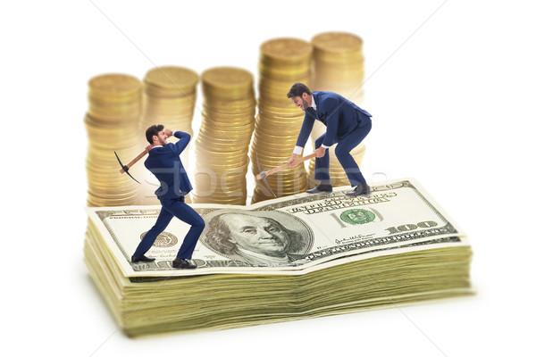 Empresário mineração dinheiro internet tecnologia segurança Foto stock © Elnur