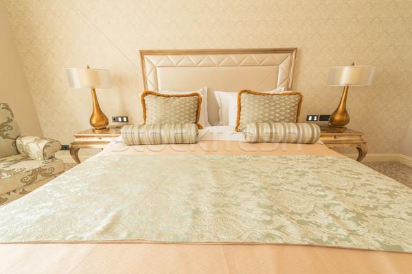 Yatak odası oda modern tarzda ev dizayn seyahat Stok fotoğraf © Elnur