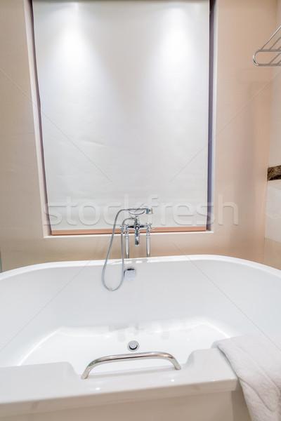 Moderno banheiro interior banheira vidro saúde Foto stock © Elnur