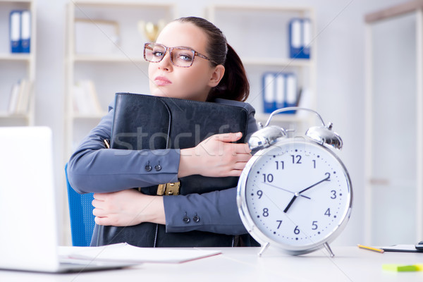 üzletasszony időbeosztás nő óra munka laptop Stock fotó © Elnur