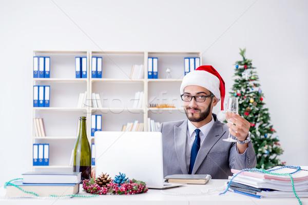 Genç işadamı Noel ofis bilgisayar Stok fotoğraf © Elnur