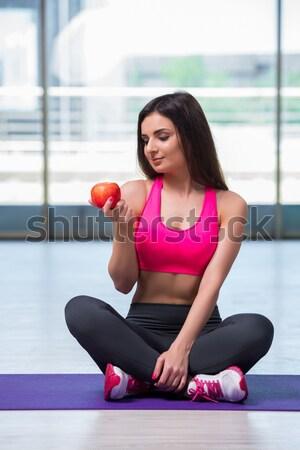 Comer manzana roja salud nina cuerpo Foto stock © Elnur