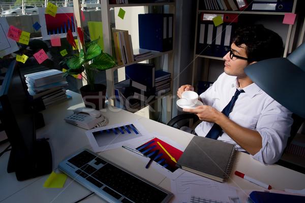 Сток-фото: человека · бизнесмен · рабочих · поздно · служба · компьютер