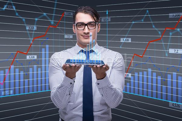 Jungen Geschäftsmann online Handel Geld Internet Stock foto © Elnur