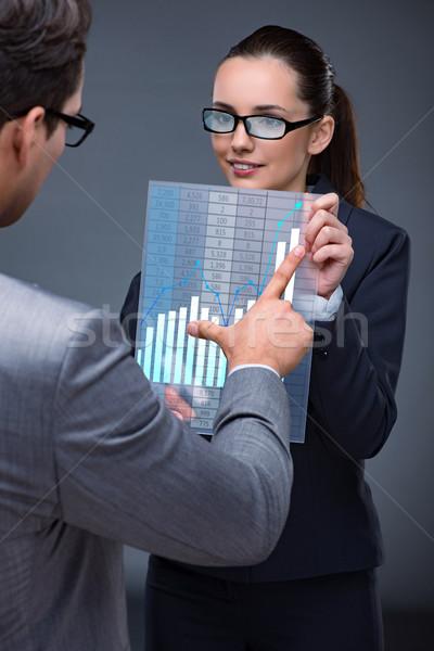 деловые люди складе диаграммы Тенденции деньги Сток-фото © Elnur