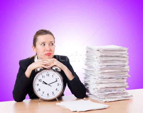 Foto stock: Mulher · empresária · relógio · documentos · negócio · escritório