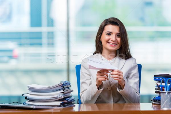Işkadını oturma mutlu çalışmak öğrenci Stok fotoğraf © Elnur