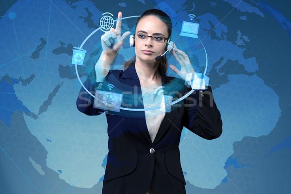 Mujer de negocios global informática trabajo red móviles Foto stock © Elnur