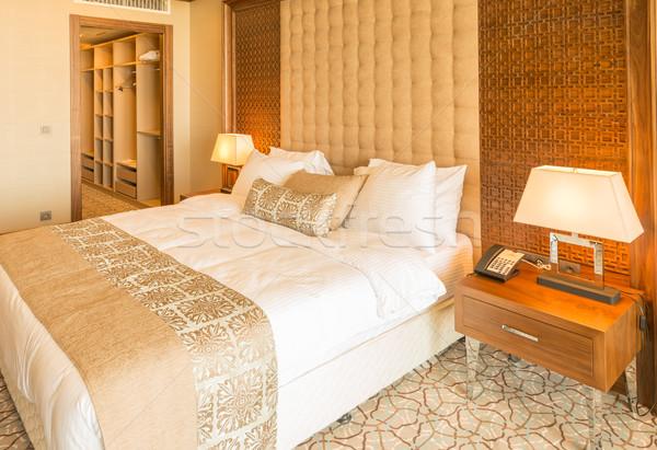 Moderne hotelkamer groot bed huis ontwerp Stockfoto © Elnur