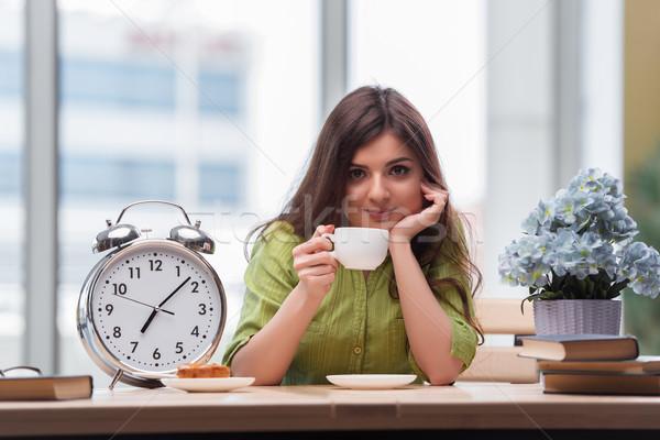 студент будильник экзамены книга счастливым часы Сток-фото © Elnur