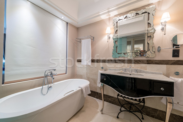 Moderno bagno interni vasca da bagno vetro salute Foto d'archivio © Elnur