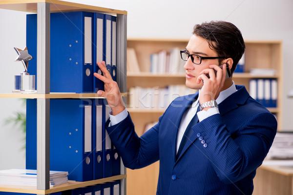 Bello imprenditore cellulare ufficio telefono Foto d'archivio © Elnur