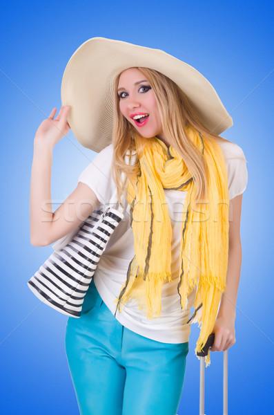 Fiatal vonzó nő kész nyári vakáció üzlet lány Stock fotó © Elnur